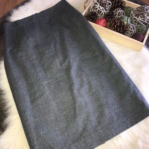 Banana Republic Gray wool pencil skirt size 6